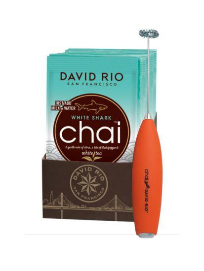 David Rio White Shark Chai - sáčky display 12x28g + bateriový napěňovač mléka jako DÁREK - 1